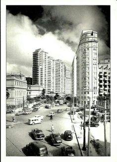 1950 - Praça da República. Adiante segue a avenida São Luiz, a esquerda o Colégio Caetano de Campos.