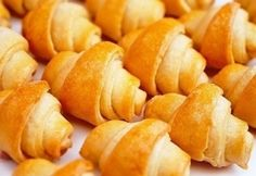 Lala kifli Snack Recipes, Snacks, Sweet Potato, Bakery, Lime, Chips, Bread, Vegetables, Food