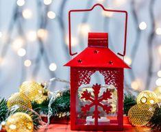 Vianočné pohľadnice a pozdravy pre vašich blízkych. Pošlite elektronické vianočné priania svojim priateľom a rodine zdarma na e-mail. Vyberte si z desiatok nádherných pohľadníc aj s textom, alebo pošlite pozdrav s vlastnou fotkou a vinšom. Advent Calendar, Christmas Ornaments, Holiday Decor, Crafts, Home Decor, Manualidades, Decoration Home, Room Decor, Advent Calenders