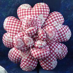 cuscino-rotondo-diametro-43-cm-a-forma-di-cuore-con-oltre-700-gr-di~2842332.jpg (640×639)