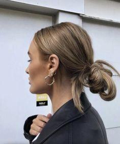 Messy Bun Hairstyles, Pretty Hairstyles, Skandinavian Fashion, Hair Inspo, Hair Inspiration, Good Hair Day, Aesthetic Hair, Grunge Hair, Dream Hair