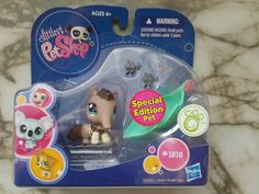 Littlest pet shop and eater with ants