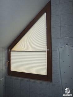 lichtdurchl ssige plissees als sichtschutz am badezimmer fenster plisseefenster pinterest. Black Bedroom Furniture Sets. Home Design Ideas