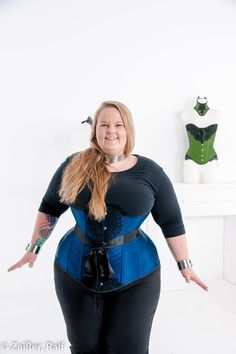 corset plus size Most well-known OTR corset companies carry corset sizes for natural waists up to and around However, what if your waist size is over 40 inches around What if its over 50 inches Plus Size Corset, Plus Size Lingerie, Plus Size Steampunk Costume, Plus Size Dresses, Plus Size Outfits, Renaissance Corset, Victorian Corset, Plus Size Cosplay, Super Hero Shirts