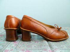Vintage leather shoes / pumps / heels / woman vintage / caramel tan light brown leather / size 7. $35.00, via Etsy.