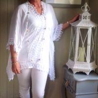 Siena Lace Kimono White from Feathers Of Italy