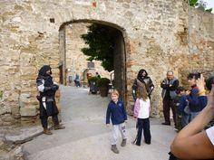 Passeggiata con le guide del centro Costa Etrusca e visita al Castello di Populonia by Il Turista Informato #InvasioniDigitali #Populonia #Toscana