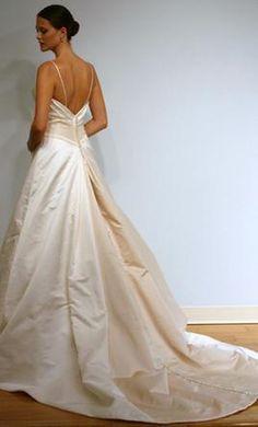 Used Alvina Valenta Wedding Dress 9807, Size 8  lives in brooklyn