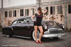 AmericanMuscle.de - Fotoshooting: 1952 Chevyllac Kustom + Model