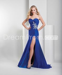 Pretty+A-Line+Floor-Length+Pearls+Brush+Train+Evening/Homecoming+Dresses