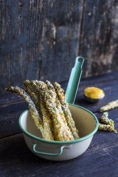 Asparagus fries. http://www.jotainmaukasta.fi/2014/03/06/parsaranskalaiset/