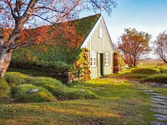 In love with all the turf roof buildings from Iceland, especially with this little curch. Iceland, Buildings, Places To Visit, Europe, Cabin, News, House Styles, Decor, Ice Land