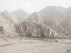Between the mountains and water, © Zhang Kechun http://thesouthedition.org/magazine/