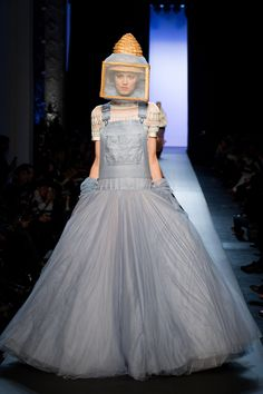 Apicouture chic - Jean Paul Gaultier Spring 2015 Couture Runway – Vogue New bee keeper meets Alice in wonderland/Dorothy attire.
