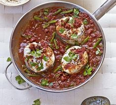 Tomato & tamarind fish curry: use a sustainable white fish like hake and serve up this healthy, Indian spice-pot with green beans and coriander Bbc Good Food Recipes, Indian Food Recipes, Cooking Recipes, Healthy Recipes, Ethnic Recipes, Fish Dishes, Seafood Dishes, Tamarind Fish Curry, Tamarind Paste
