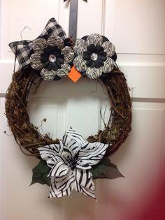 Cutie Pie Owl Grapevine Wreath by KrisCraftyCreations on Etsy Owl Crafts, Wreath Crafts, Cute Crafts, Diy Wreath, Grapevine Wreath, Diy And Crafts, Arts And Crafts, Wreath Fall, Owl Wreaths