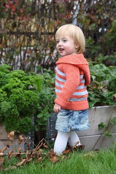 childhood  sweater with hood (and a bunch of other free knitting patterns) #freepatterns