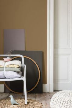 Flexa / Dulux Colour Features colour of the year 2019 Dark Interiors, Shop Interiors, Beautiful Interiors, Colorful Interiors, Yellow Interior, Gold Interior, Best Interior, Interior Doors, Small Bedroom Furniture