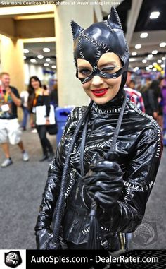 Go to COMICON: dress up like catwoman