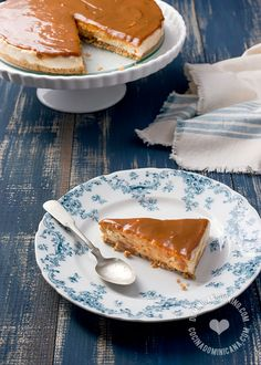 Sweeten your summer with this chilled No-Bake Dulce de Leche Cheesecake Recipe!