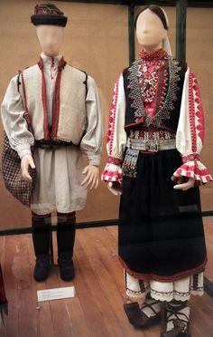 Imagini pentru romanian costumes in budapest ethnographic museum