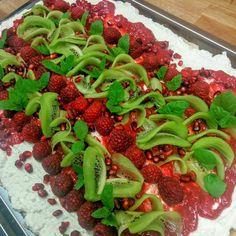 kiwi, raspberry's & pomegranate