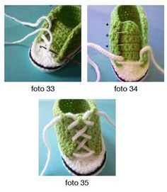 Tutorial for baby sneakers including the converse star. Baby Boots, Baby Girl Shoes, Kid Shoes, Crochet Baby Shoes, Crochet Clothes, Knit Crochet, Handmade Baby Items, Baby Nike, Baby Converse