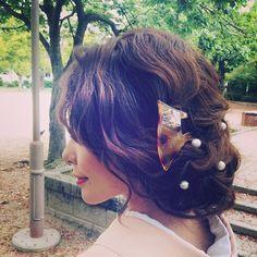 この画像は「【2016成人式】盛り盛りヘアは古い!' 低めまとめ髪 'が美しい振り袖ヘアカタログ」のまとめの23枚目の画像です。