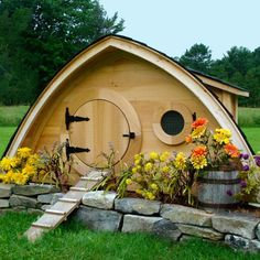 Isn't this just the coolest coop? wouldn't want to have to clean it though.Hobbit Hole Chicken Coop, Small (Up to 5 chickens) from My Pet Chicken Pet Chickens, Chickens Backyard, Rabbits, Fancy Chickens, Raising Chickens, My Pet Chicken, Chicken Coops, Chicken Houses, Small Chicken