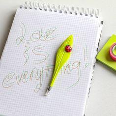 Kalem Yaprak Uğur Yazar Yeşil - 15 TL l #ofis #kalem #yaprak #ugurbocegi