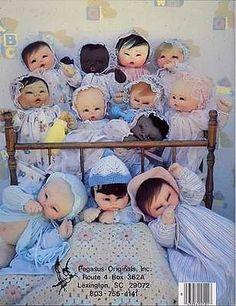 Sis-Pi-Baby-Dolls-Soft-Sculptured-Pattern-Book