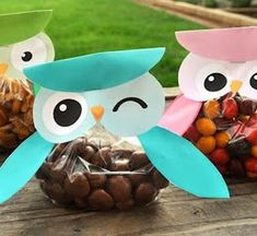 Owl crafts for kids, teachers, preschoolers and adults to make for gifts, home decor and for art class. Free, fun and easy owl craft ideas and activities. children's owl craft ideas with images. Kids Crafts, Animal Crafts For Kids, Food Crafts, Cool Diy, Owl Treat Bags, Owl Bags, Snack Bags, Owl Treats, Owl Snacks