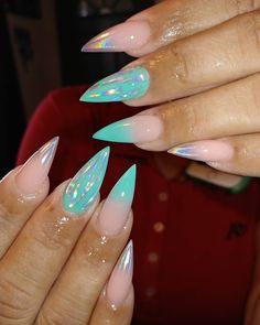 #unicornpigment #Unicorn #holographicnails #youngnailsinc #acrylicnaildesign #acrylicnails #acrylic #nailsoftheday #nails #seafoam