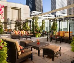 Rooftop Bars Worth a Visit: Shanghai Terrace, Peninsula Hotel in Chicago, IL #SelfMagazine