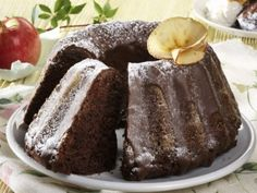 Chocolate fancy bread with apples Baking Recipes, Cake Recipes, Dessert Recipes, Czech Recipes, Ethnic Recipes, Bunt Cakes, Pavlova, Something Sweet, Sweet Tooth
