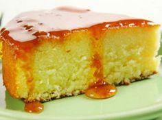 Receita de Bolo Queijadinha - bolo, começando pelos líquidos, e despeje na forma caramelizada. Leve ao forno, preaquecido em temperatura média, por 30 minutos ou até assar e...
