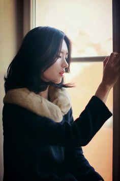 South Korea Fashion, Yoon Sun Young, Korean Model, Korean Style, Young Models, Girl Photography Poses, Asian Woman, Female Bodies, Her Hair