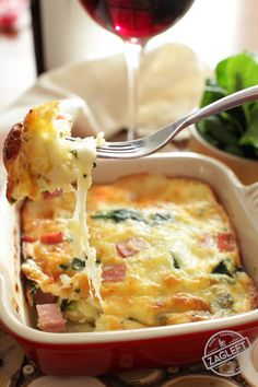 Four easy single serving crustless quiche recipes that are so tasty, you won't even miss the crust! Each quiche recipe is incredibly delicious! Mug Recipes, Quiche Recipes, Low Carb Recipes, Cooking Recipes, Healthy Recipes, Casserole Recipes, Healthy Meals, Free Recipes, Healthy Eating