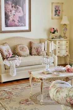 10 Convenient Clever Tips: Shabby Chic Living Room Table shabby chic decoracion home.Shabby Chic Home Small Spaces shabby chic wallpaper floral.Shabby Chic Home Small Spaces. Shabby Chic Mode, Shabby Chic Vintage, Estilo Shabby Chic, Shabby Chic Interiors, Shabby Chic Bedrooms, Unique Vintage, Modern Bedroom, Vintage Diy, Vintage Books
