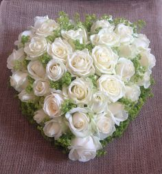 Grave Flowers, Funeral Flowers, Funeral Arrangements, Flower Arrangements, Bridal Shower Wreaths, Grave Decorations, Simple Rose, White Wedding Bouquets, Love Rose