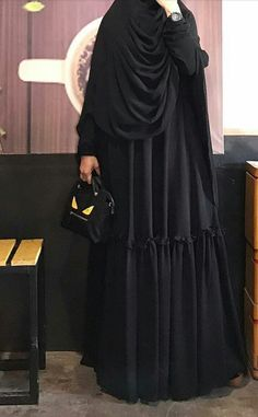 In this Article You will find many Tailored Dress inspiration and Ideas. Moslem Fashion, Niqab Fashion, Modest Fashion, Fashion Outfits, Muslim Women Fashion, Islamic Fashion, Womens Fashion, Casual Hijab Outfit, Hijab Chic
