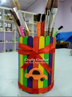 Amazing Popsicle Stick Crafts and Projects - (9) Popsicle Stick Crafts, Popsicle Sticks, Craft Stick Crafts, Cute Crafts, Art N Craft, Craft Activities, Art For Kids, Crafts For Kids, Suckers