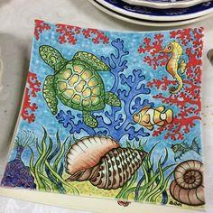 """63 Beğenme, 8 Yorum - Instagram'da Sibel Kaya (@sipsipamigurumi): """"Sabrı verene, yoluna koyana şükürler olsun...😊🙏🙏🙏💖 #çini #çinitasarım #tiles #gelenekselelsanatları…"""" Kaya, Pretty Flower Tattoos, Traditional Tile, Ceramic Art, Stoneware, Decorative Plates, About Me Blog, Ceramics, Pillows"""
