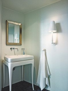 #white #bathroom barefootstyling.com