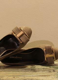 Compra il mio articolo su #vinted http://www.vinted.it/calzature-da-donna/scarpe-con-il-tacco-e-decollete/37894-decollete-beige-tacco-medio-37