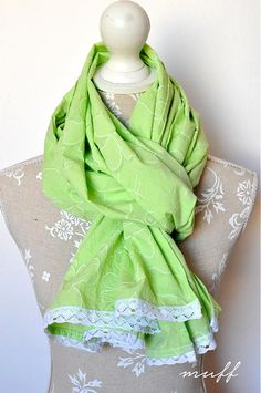 Jarný šálik zelenkavý s čipkou by muff - SAShE.sk - Handmade Šatky
