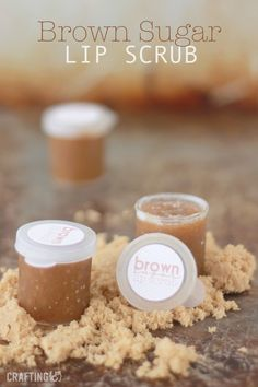 "DIY 3 Ingredient Brown Sugar Lip Scrub Recipe from Crafting (&).You probably have everything you need to make this DIY 3 Ingredient Brown Sugar Lip Scrub in your pantry. This is a cheap, easy and ""assembly line"" gift that would make a good addition. Lip Scrubs, Body Scrubs, Salt Scrubs, Belleza Diy, Tips Belleza, Diy Lush, Diy Cosmetic, Diy Beauté, Homemade Scrub"