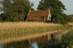 Casa de campo solitária.  Fotografia: Claire no Flickr.