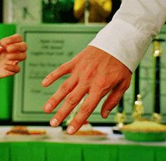 "Pushing Daisies "" Comfort Food "" ( ) - Ned and Olive Pushing Daisies, Lee Pace, Thranduil, Sweet Couple, Hold Hands, Prince Charming, Tv Series, Drama, Challenge"