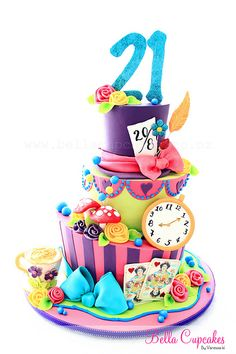 1000+ images about Cakes - Bella on Pinterest  Wedding cake ...